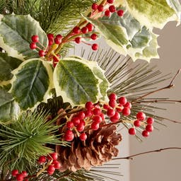 Large Pine Holly Bunch